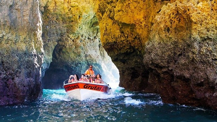 BOAT TRIP TO THE LAGOS CAVES