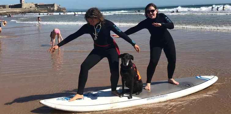 LEARNING TO SURF IN CARCAVELOS
