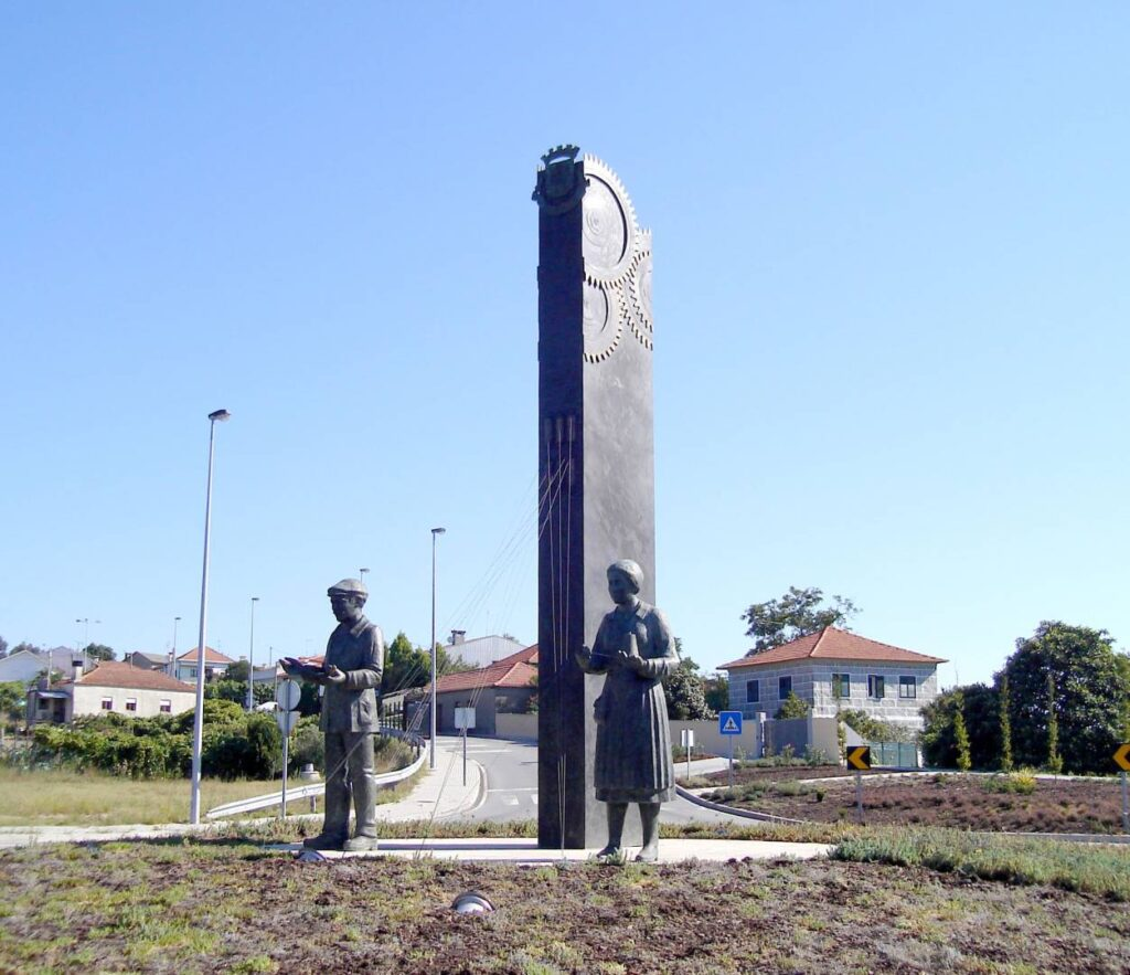MONUMENT TO THE TEXTILE WORKER